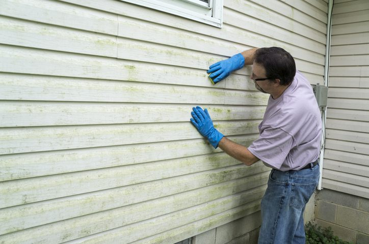 cleaning vinyl sliding